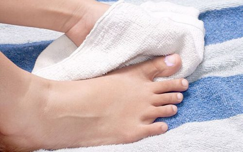 Dry your feet immediately when they get wet!